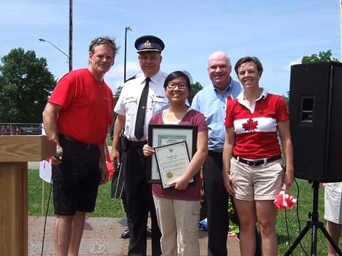 Jeniffer Seo, who has racked up 875 community service hours, also received the Youth Award.
